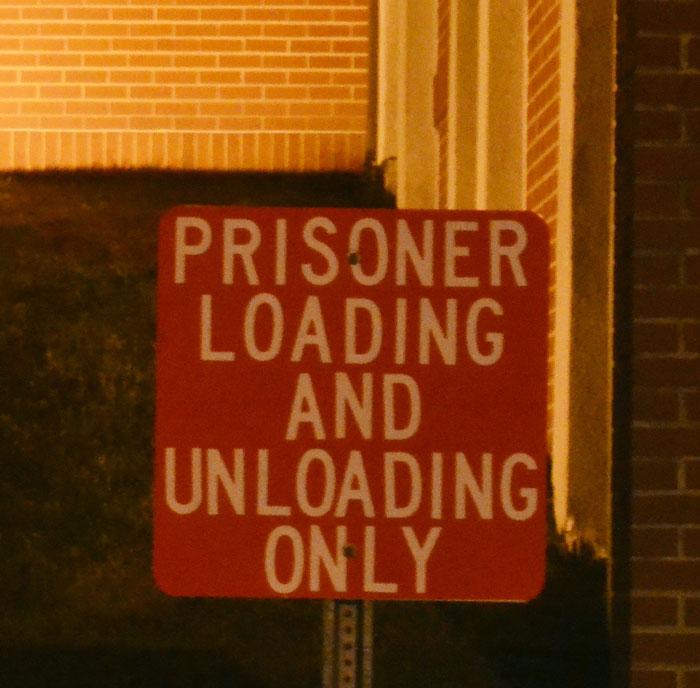 prisoner loading